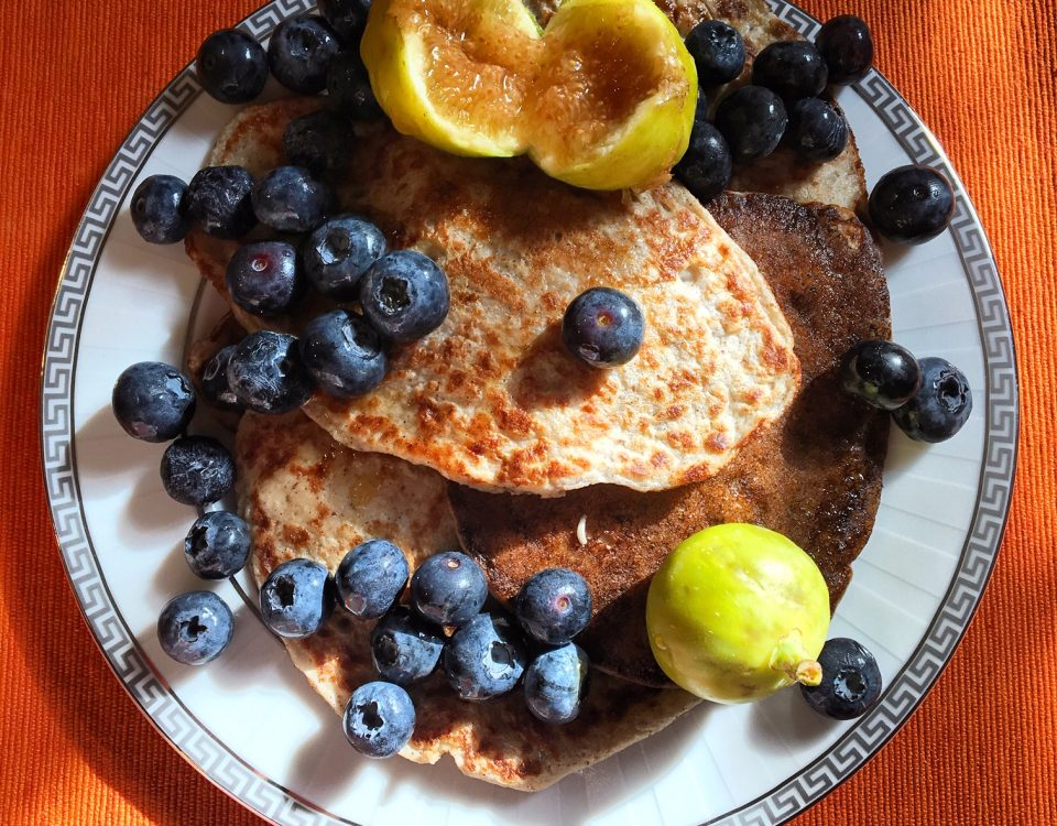 Four Ingredient Vegan Pancakes